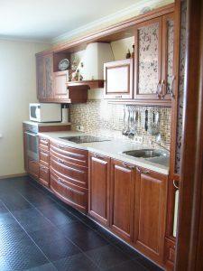 Мебель-для-кухни-классическая-массив-ясеня