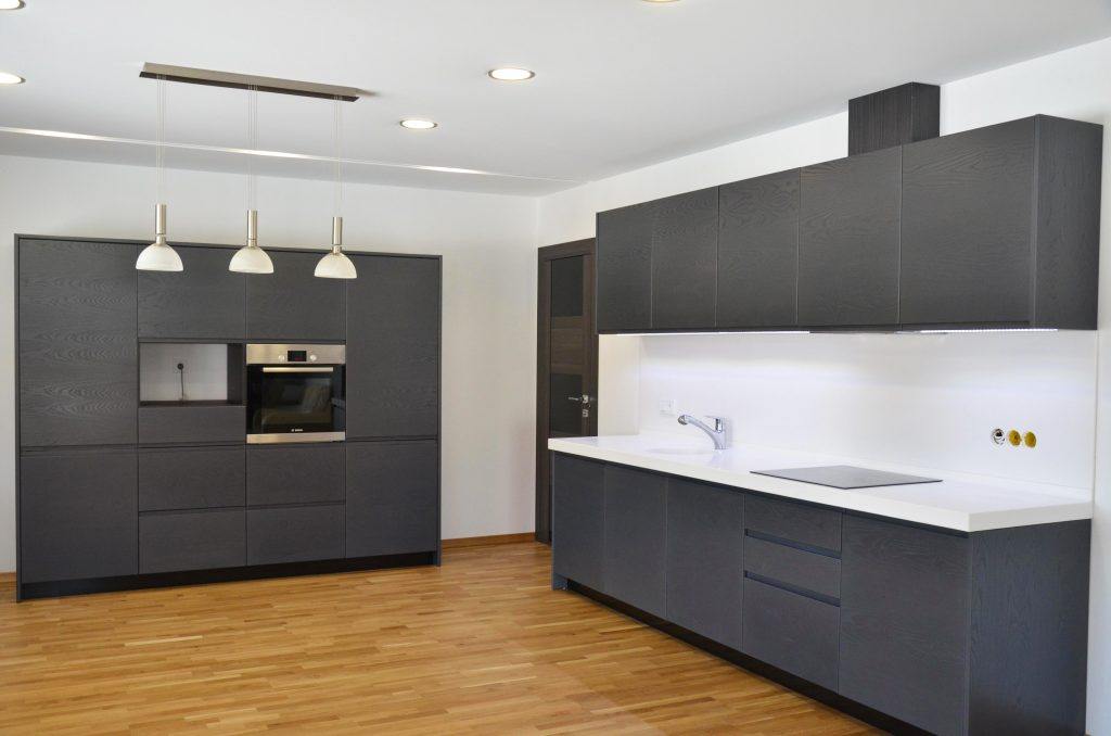 Мебель-для-кухни-шпон-искуственный-камень